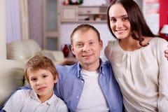Familj av tre Royaltyfri Fotografi
