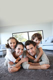 Familj hemma Royaltyfria Foton