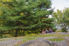 Familj på Central Park 2 Fotografering för Bildbyråer
