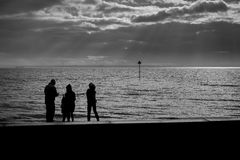 Familj på havssidan Royaltyfria Foton