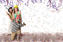 Familj på karnevalet Arkivbilder