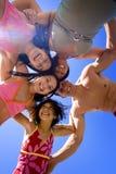 Familj på strandsemester Fotografering för Bildbyråer