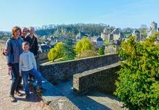 Familj på vårferier i Frankrike Royaltyfria Bilder