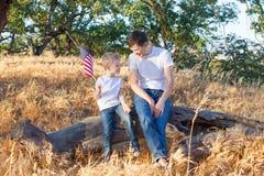 Familj som firar 4th Juli Arkivfoton