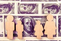 Familjbarn Finansiella problem av familjeliv royaltyfri foto