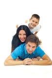 familjgyckel som har att skratta Fotografering för Bildbyråer