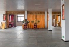 Familjkorridor för att tillbe Buddha fotografering för bildbyråer