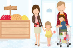 familjlivsmedelsbutikshopping Arkivfoto