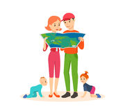 Familjresande som söker efter en rutt av rörelseöversikten Arkivbilder