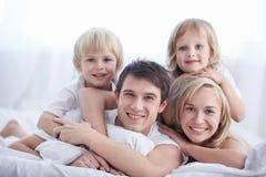 familjutgångspunkt royaltyfria bilder