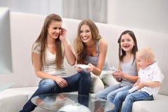 Familjvideospel Royaltyfria Bilder