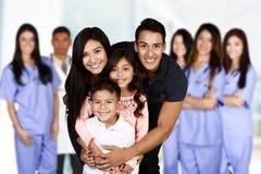 Famille à l'hôpital Photo stock