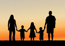 Famille à l'illustration de vecteur de coucher du soleil Image stock