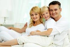Famille à la maison Images stock