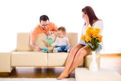 Famille à la maison d'intérieur Photographie stock libre de droits