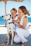Famille à la plage Images libres de droits