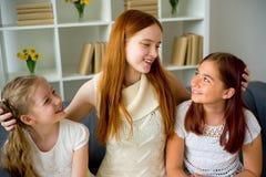 Famille affectueuse heureuse Images libres de droits