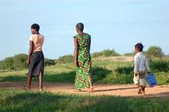 Famille allant à l'église Image libre de droits