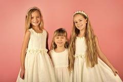 Famille, amour et amitié valeurs familiales des filles de soeur Photos stock