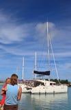 Famille au dock Photographie stock libre de droits