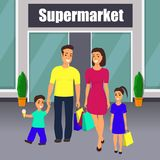 Famille avec sortir d'enfants du centre commercial avec des paniers à disposition La maman, le papa, le fils et la fille ont plai illustration libre de droits