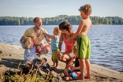 Famille ayant l'amusement ensemble Photographie stock libre de droits