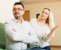 Famille ayant la querelle à la maison Photos libres de droits