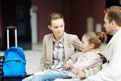 Famille dans l'aéroport Images stock