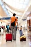 Famille dans l'aéroport Image libre de droits