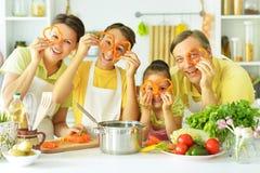 Famille dans la cuisine Images libres de droits