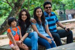 Famille de Channa Perera et de Gayathri Dias Image libre de droits