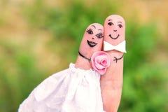 Famille de doigt Mariée et marié Photo libre de droits