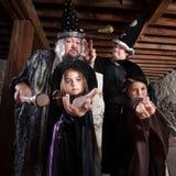 Famille de magicien de Halloween Images libres de droits