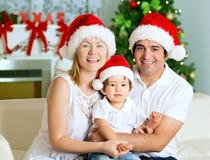 Famille de Noël heureux images stock