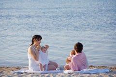 famille de plage Images stock