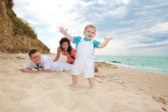 famille de plage image libre de droits