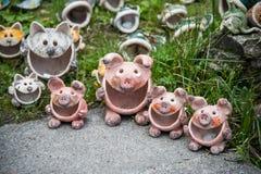 Famille de porcs de poterie Image libre de droits