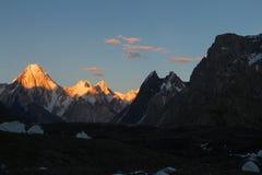 Famille de tour de Trango dans la chaîne de Karakoram, K2 voyage, Pakistan, Asie photographie stock libre de droits