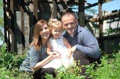 Famille de trois heureuse Image libre de droits