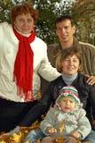 Famille de trois rétablissements Photographie stock libre de droits