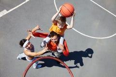 Famille des joueurs de basket Photo libre de droits