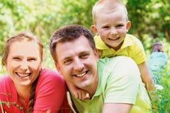 Famille des vacances images stock
