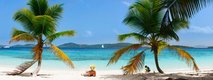 Famille des vacances de plage Images stock
