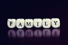 Famille en bois de cube en textes Images libres de droits