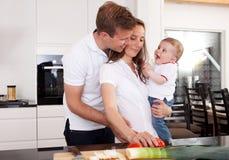 Famille en bonne santé à la maison Images libres de droits