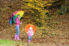 Famille en nature automnale Photo stock