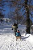Famille et amusement de l'hiver Images libres de droits