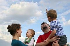 Famille et ciel Images stock