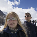 Famille et tourisme de masse dans les Rocheuses Image stock