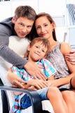 Famille heureuse image stock